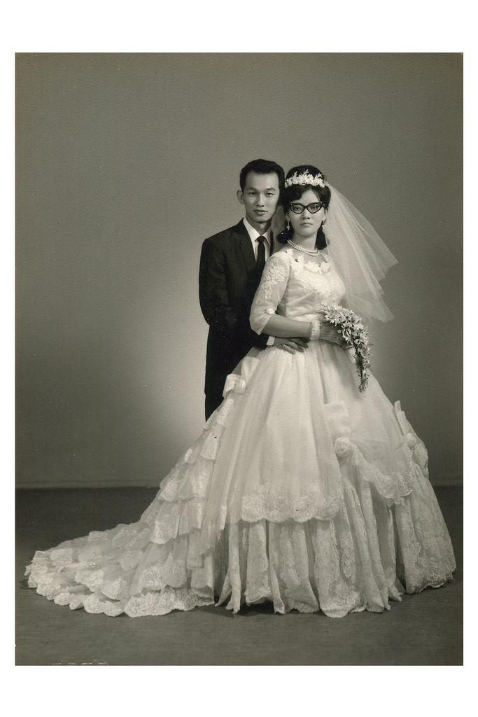 1960's wedding, Singapore   http://vintagebrides.tumblr.com/post/43483449454/1960s-wedding-singapore