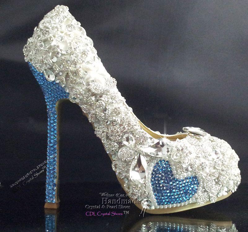 Charmant Handmade Swarovski Crystal Sky Blue And Rhinestone Bridal Shoes .