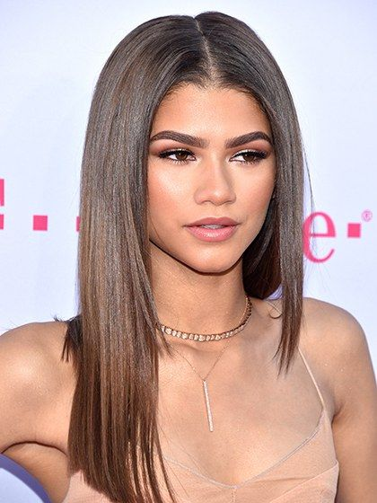 9 Stunning Hair Color Trends To Try This Summer Straight Layered Hair Long Straight Hair Zendaya Hair