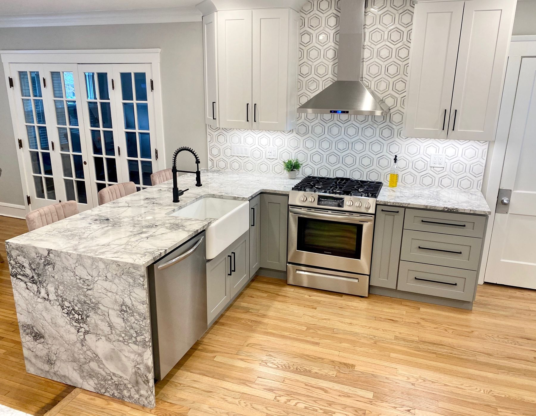 Cleveland Cabinets Lakewood Kitchen Remodel In 2020 Kitchen Remodel Kitchen Design Small Kitchen Design Showrooms