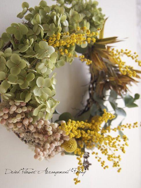 アナベルとミモザのリース ドライフラワーリース アレンジ Dried Flower Arrangement Peony ピオニー Dried Flowers Spring Plants Wreaths And Garlands