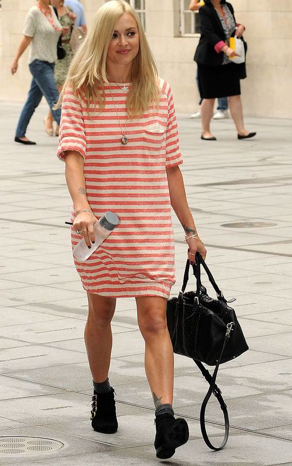 4dd97bdd5eaae0 fearne cotton pregnant outfits - Google Search