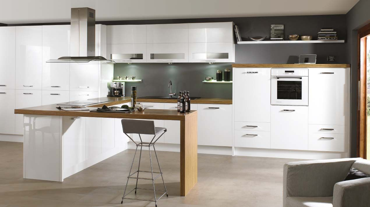 Lacquered high gloss white modern Sheraton kitchen. For more ...