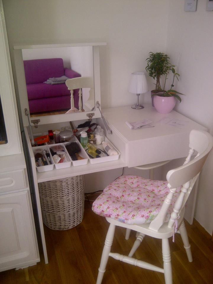 secret make up compartment desk awesome my dream house pinterest astuces rangement. Black Bedroom Furniture Sets. Home Design Ideas