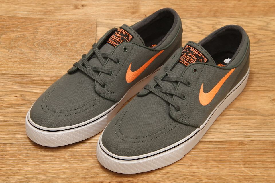 57230cff00 Nike SB Zoom Stefan Janoski Canvas Dark Mica Green / Atomic Orange / Black  £59.95