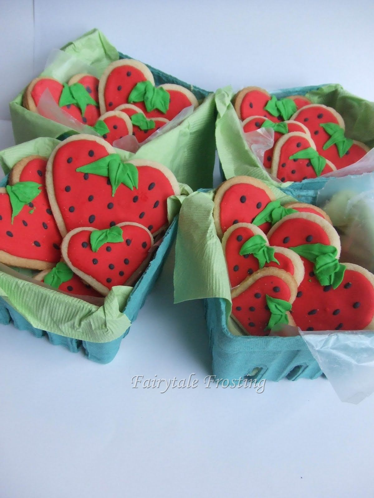 Fairytale Frosting: Strawberry Hearts Baskets- cute!