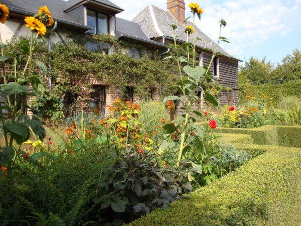 Giverny Et Jardin Plume Garden Plants Perennials