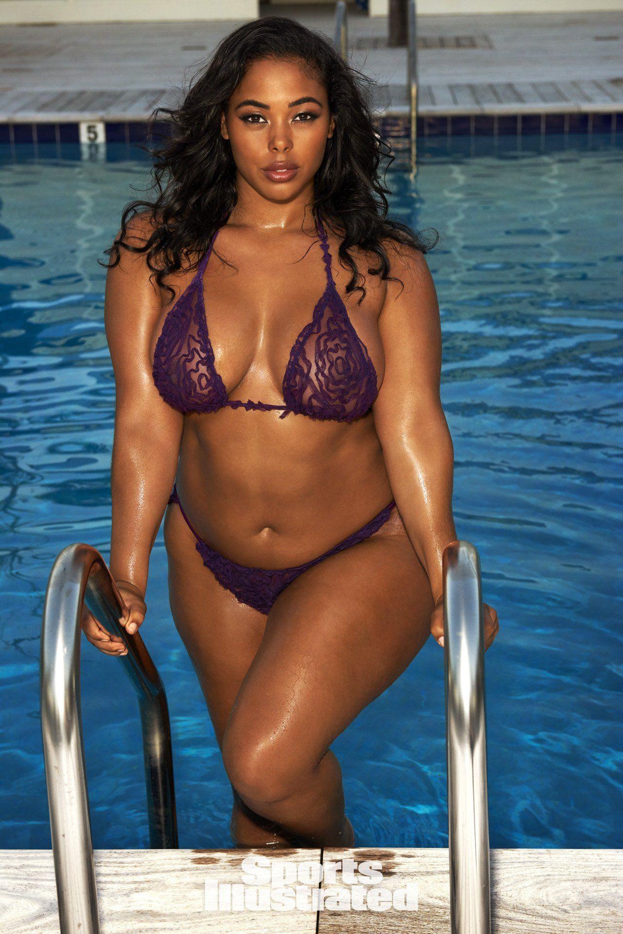 modle Plus pictures bikini size