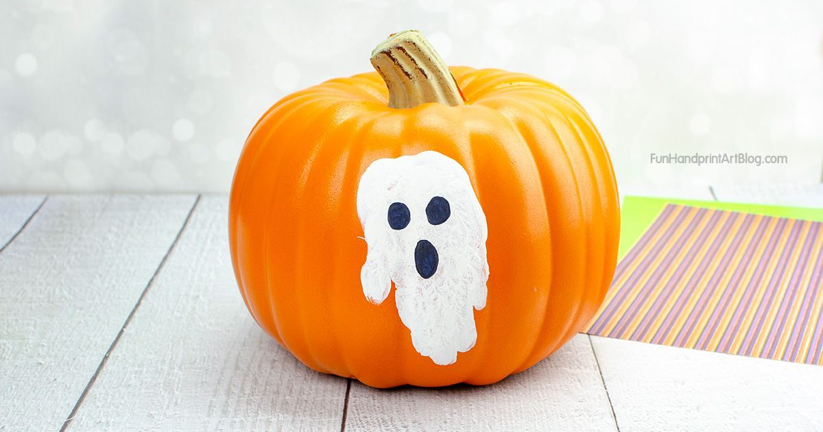 Handprint Pumpkin Painting Ideas for Toddlers and Preschoolers #pumpkinpaintingideas How to Paint a Pumpkin with Toddlers Using Handprints - also cute for babies & preschoolers. Hand shaped spider and ghost pumpkin painting ideas. So cute! #pumkinpaintideas
