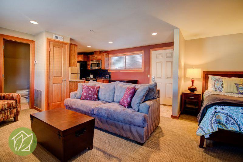 Affordably priced studio house rental home decor chelan