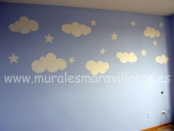 Cuartos y murales infantiles con nubes y estrellas for Cuartos decorados con estrellas