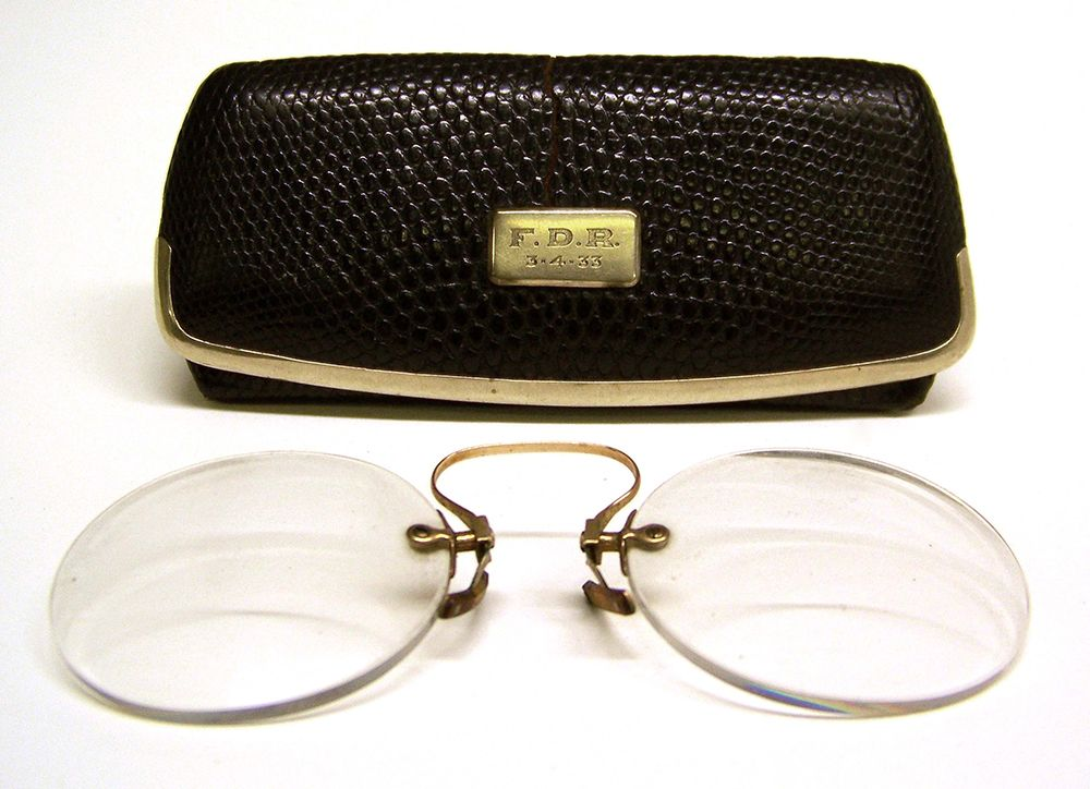 FDR wore these distinctive pince-nez spectacles on Inauguration Day in  1933. A small plaque was later affixed to the case for the spectacles to  indicate ... 61c26fbde37c