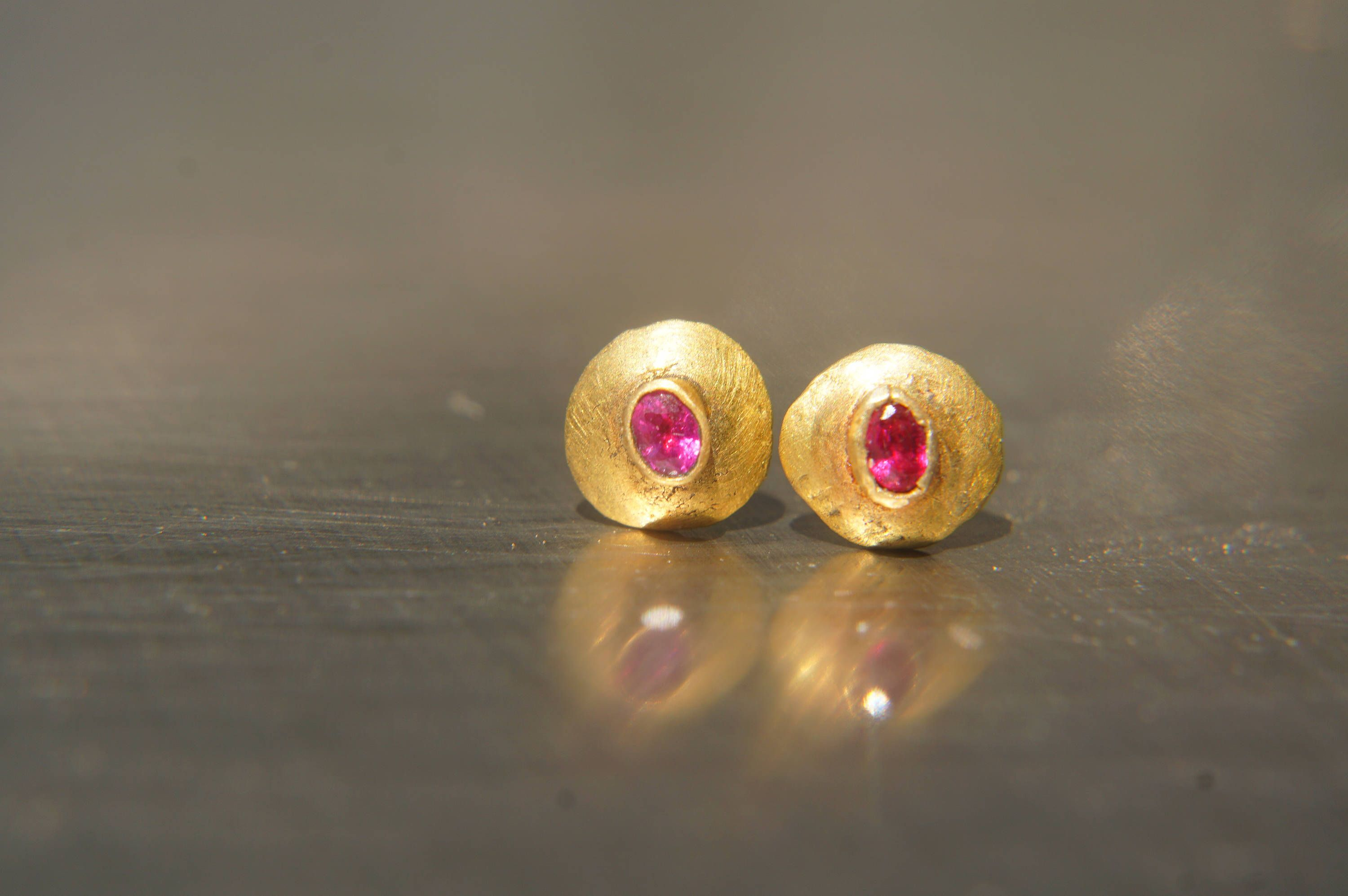 gold pin in made stud approx earrings grams italy weight