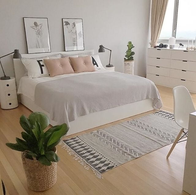A Grey Pink And White Bedroom Is To Me Scandinavian Bedroom Decor Small Room Bedroom Minimalist Bedroom Design