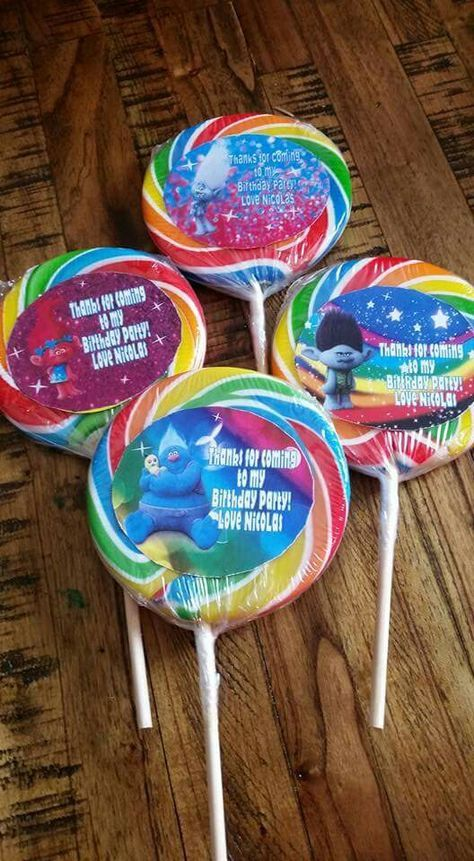 Trolls carnival lollipops