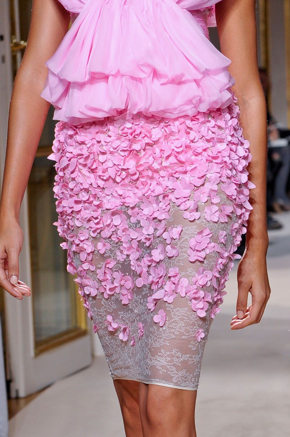 Pink Details Giambattista Valli Haute Couture | Some Like it Pink ...