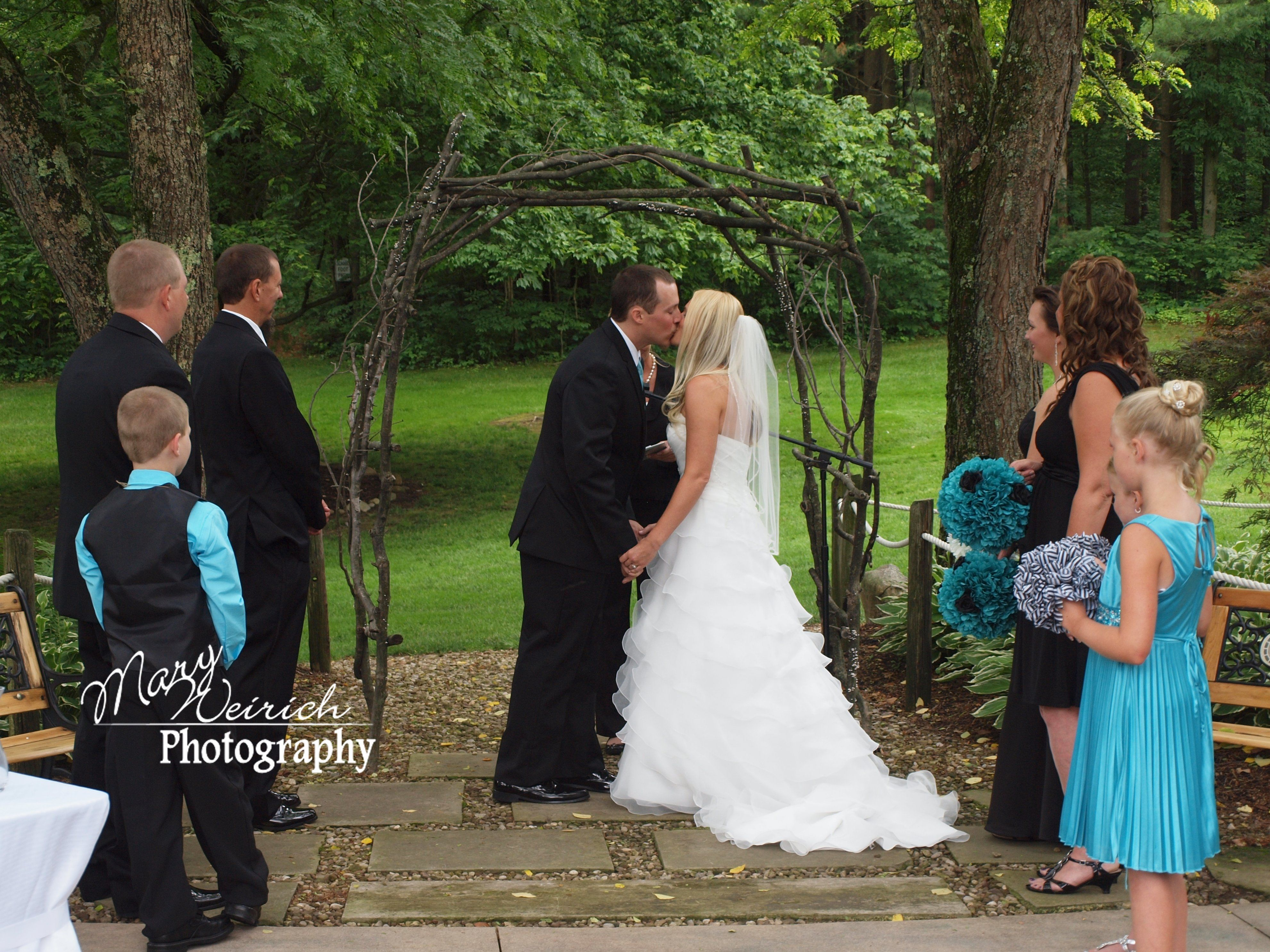 Luke Denise Outdoor Wedding At Meadowood Centre In Bellville Ohio Photography