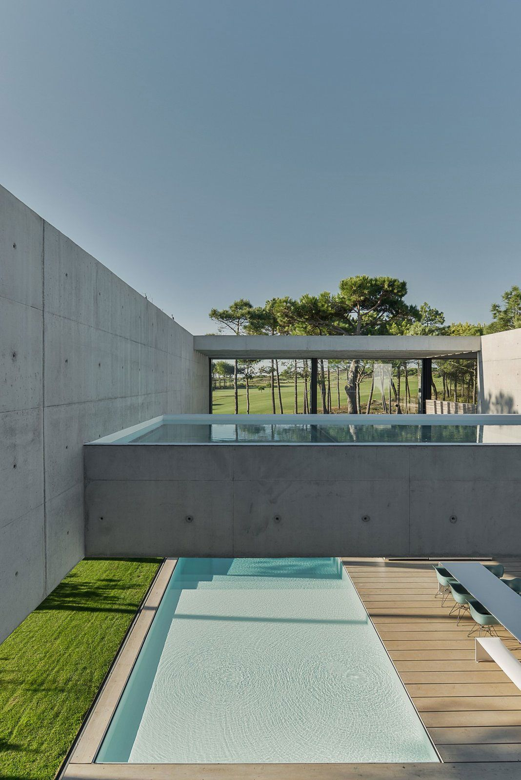Swimming In The Air: The Wall House On Portuguese Riviera By Guedes Cruz  Arquitectos |