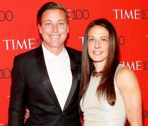 Abby Wambach Says Of Viral Kiss With Wife Im Proud That We Could