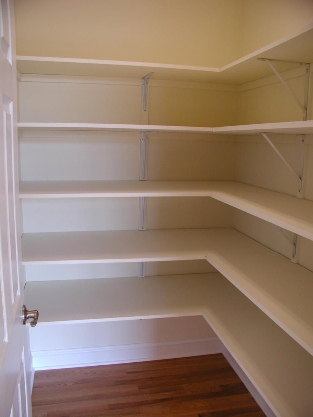 White Melamine Walk In Pantry Shelving