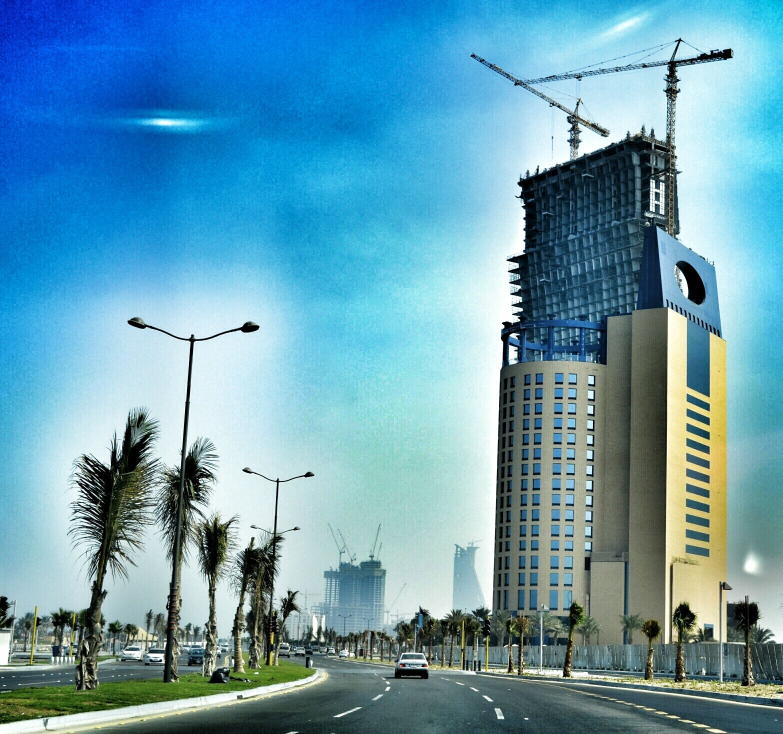 Jeddah Is The Principal Gateway To Mecca Islam S Holiest City Which Able Bodied Muslims Are Required To Visit At Leas Jeddah Saudi Arabia Jeddah Saudi Arabia