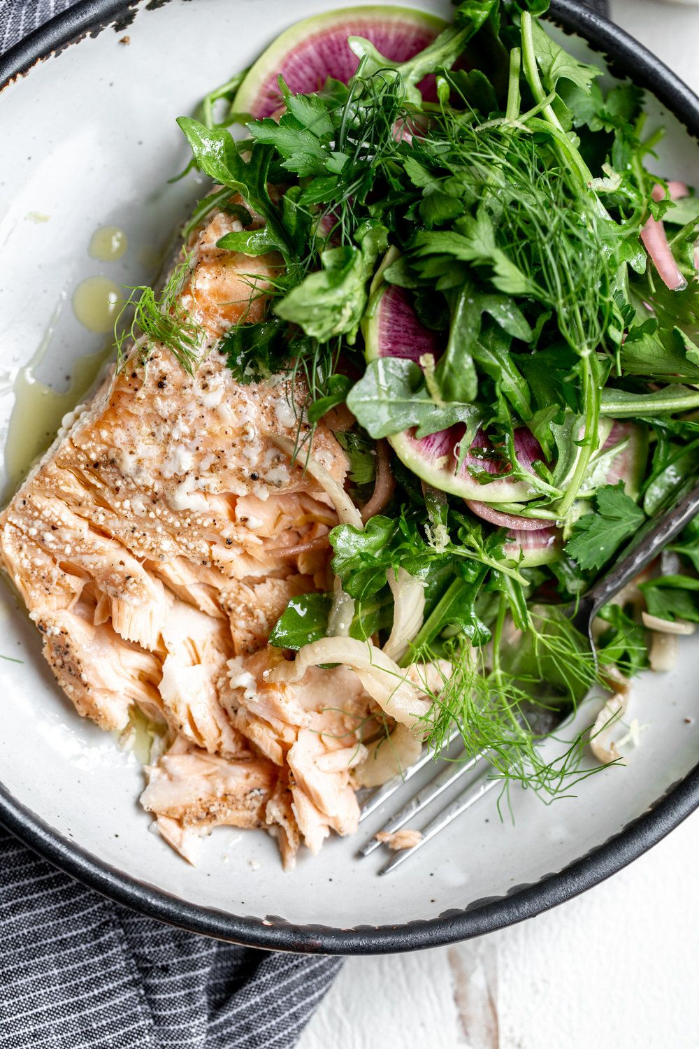 Olive Oil Slow-Poached Salmon with Fennel and Lemon Arugula Herb Salad #oliveoils
