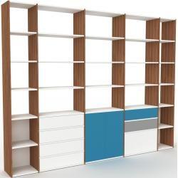 Photo of Regalsystem Nussbaum – Regalsystem: Schubladen in Weiß & Türen in Blau – Hochwertige Materialien – 3