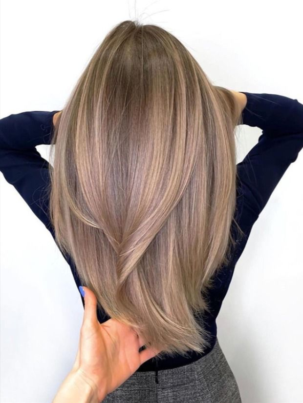 Be The Fashionable Girl In 2020 Dyeing Your Hair Is The Most Common And Safest Way To Put Yourself In A Good Mood In 2020 Balayage Hair Hair Color Balayage Hair Trends