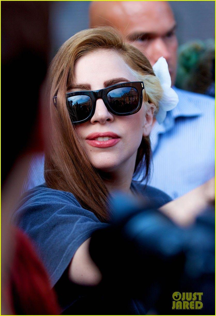 Lady Gaga Louis Vuitton Dyed Brown Hair Lady Lady Gaga Lady Gaga Pictures