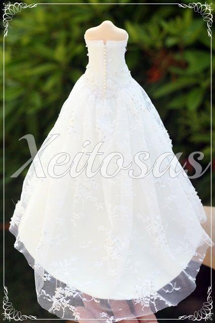 vestido para fofucha novia con la base hecha de goma eva y cubierta