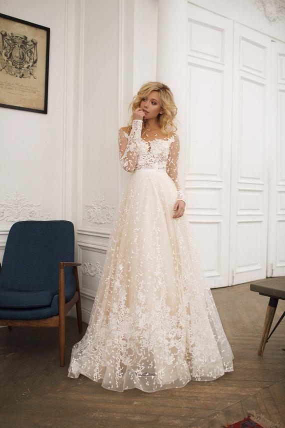 Muse Hochzeit mit langen Ärmeln, niedriger Rücken, Eine Linie Hochzeitskleid