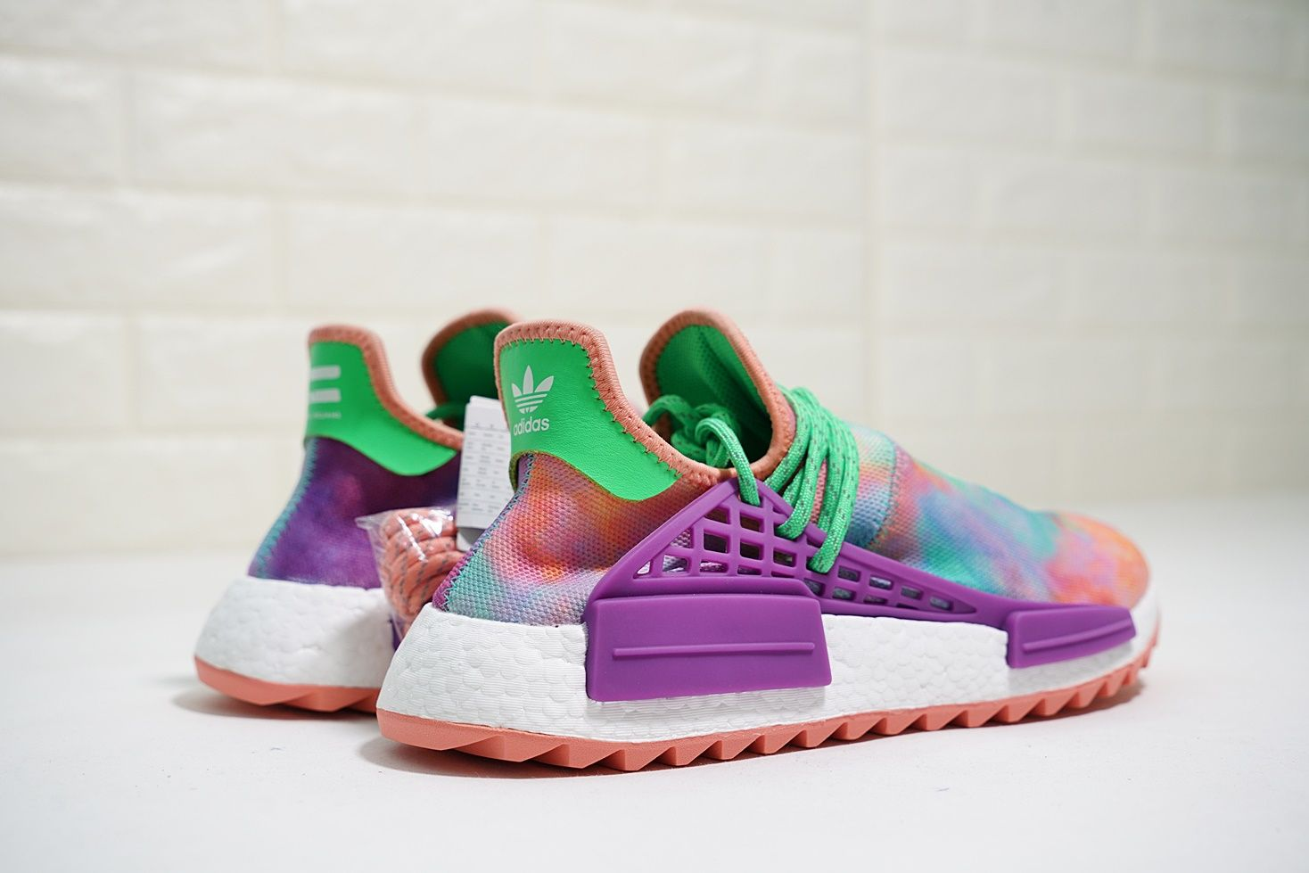 Adidas Pharrell Williams Human Race Holi Nmd Chalk Coral Green