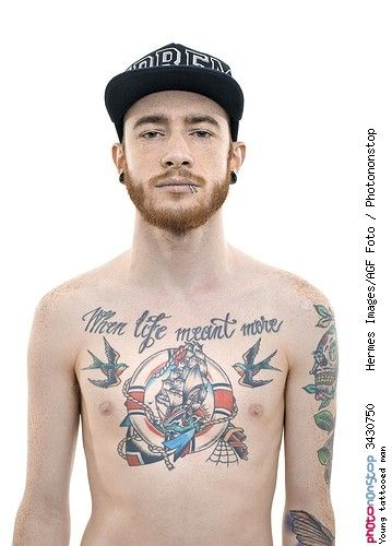 Young tattooed man - Anatomie Bijou Bras Fond Fond Blanc Homme ...