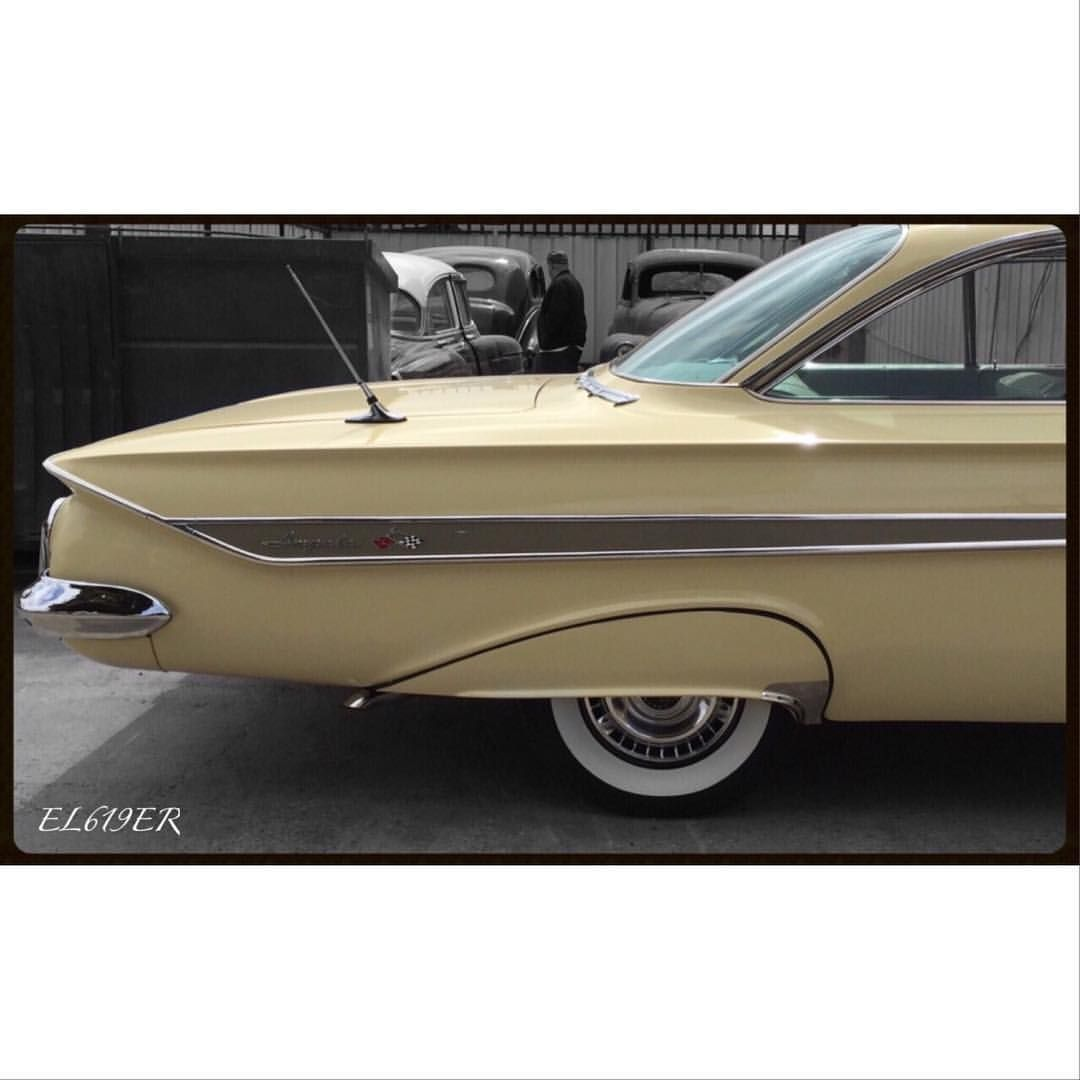Automoblog Book Garage The Complete Of Classic Chevrolet 1961 Chevy Impala Convertible Lowrider Low Riders In Brazil Lowlowlowrider Pinterest Rider And