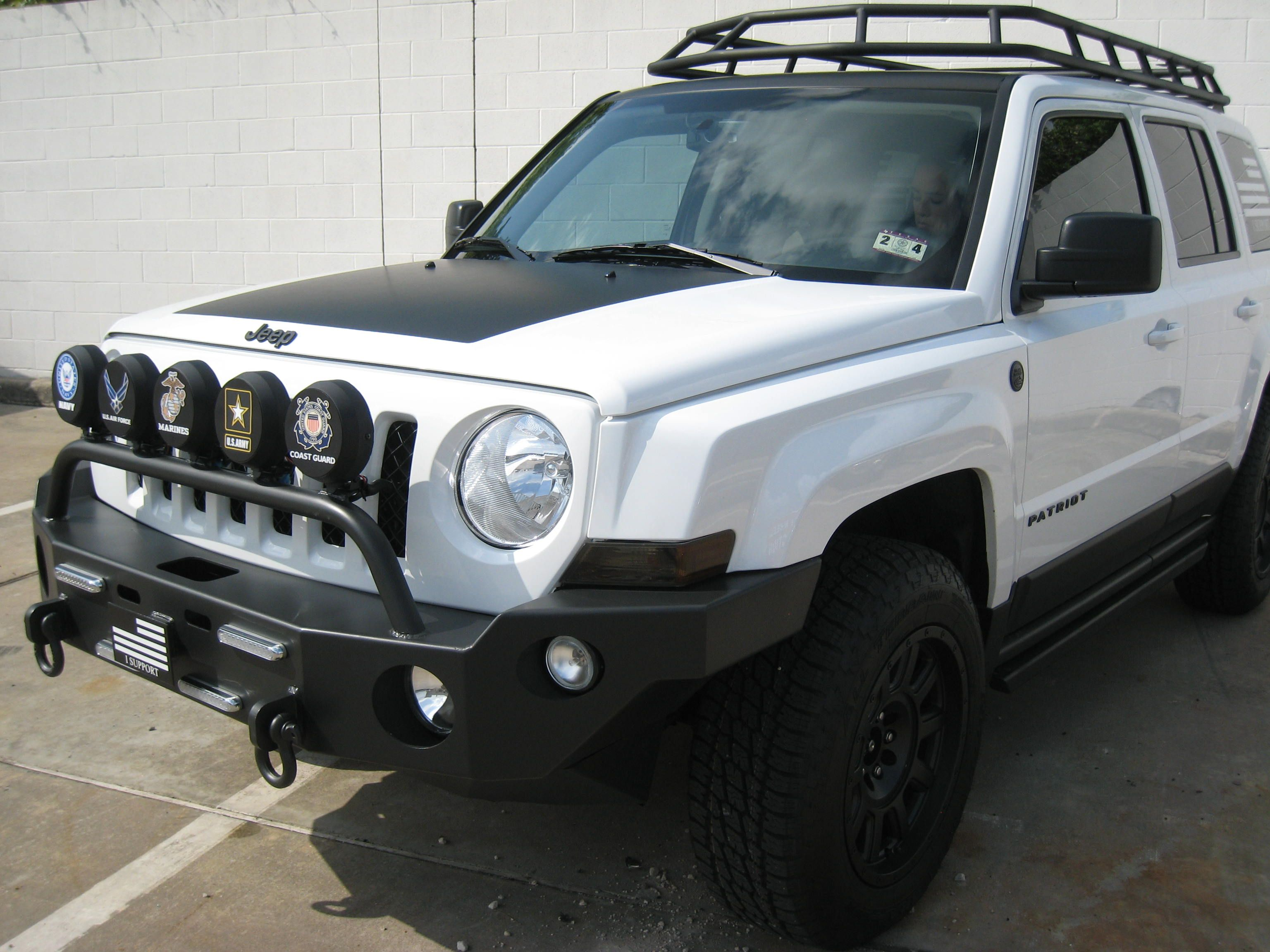 Jeep Patriot Upgrades Tail Light Compase 2012 Jeeps White Sahara Lifted With Tire Carrier And Led Lights Wincher Patriots Pinterest