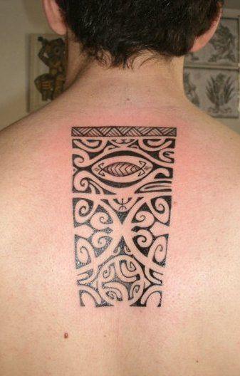 Tatuajes espalda columna vertebral polinesios samoa maori alexandre mahuru tatouage colonne - Tatouage colonne vertebrale ...