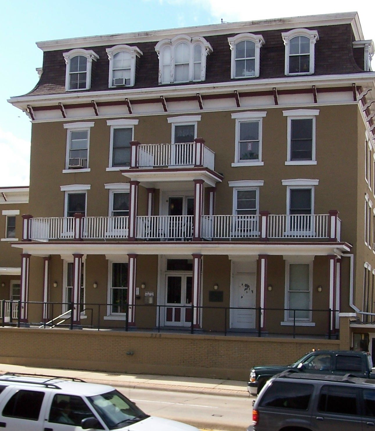 Nachusa House Hotel In Dixon Il One Of The Oldest Historic