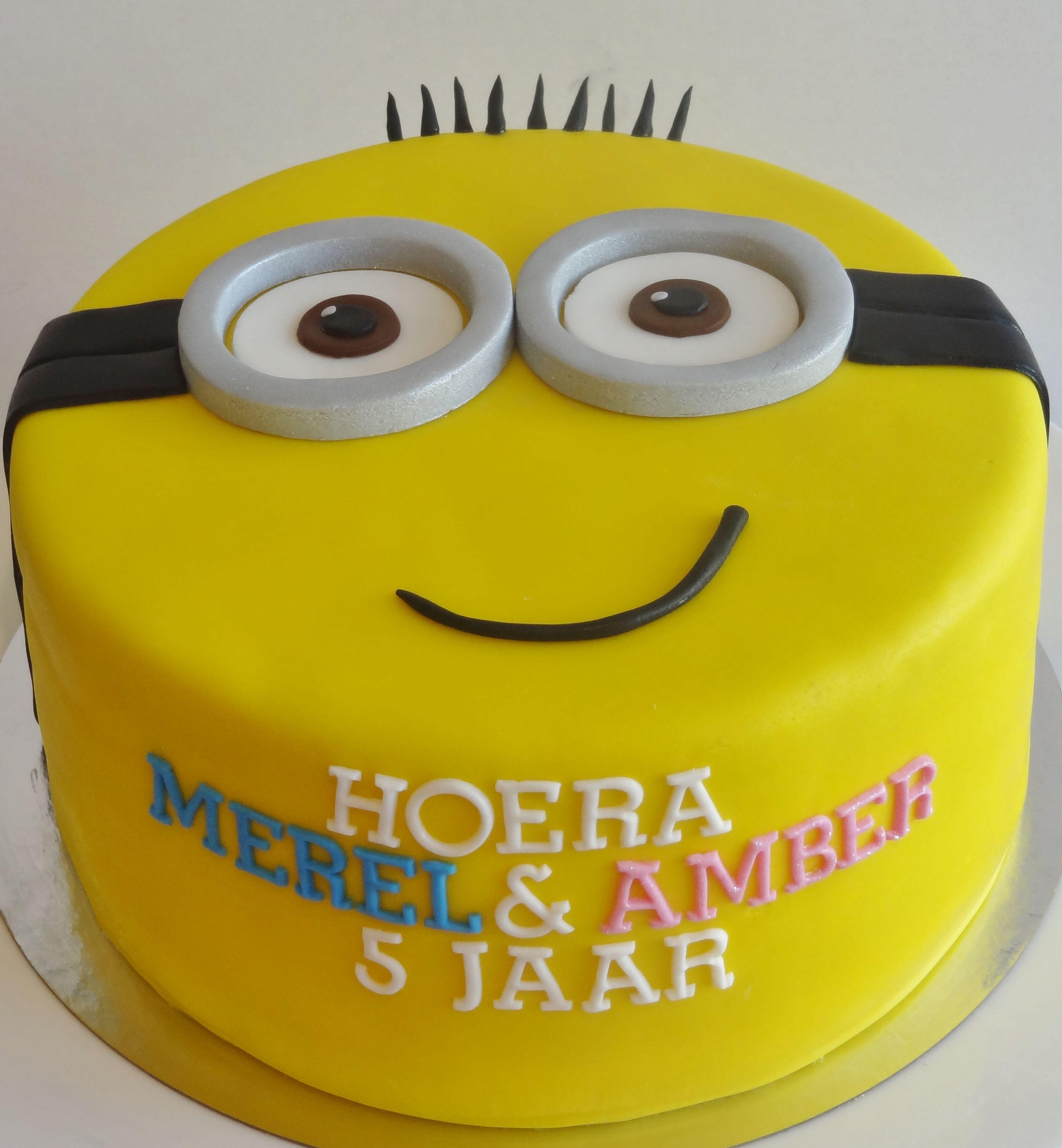 Minion birthday cake Pinterest