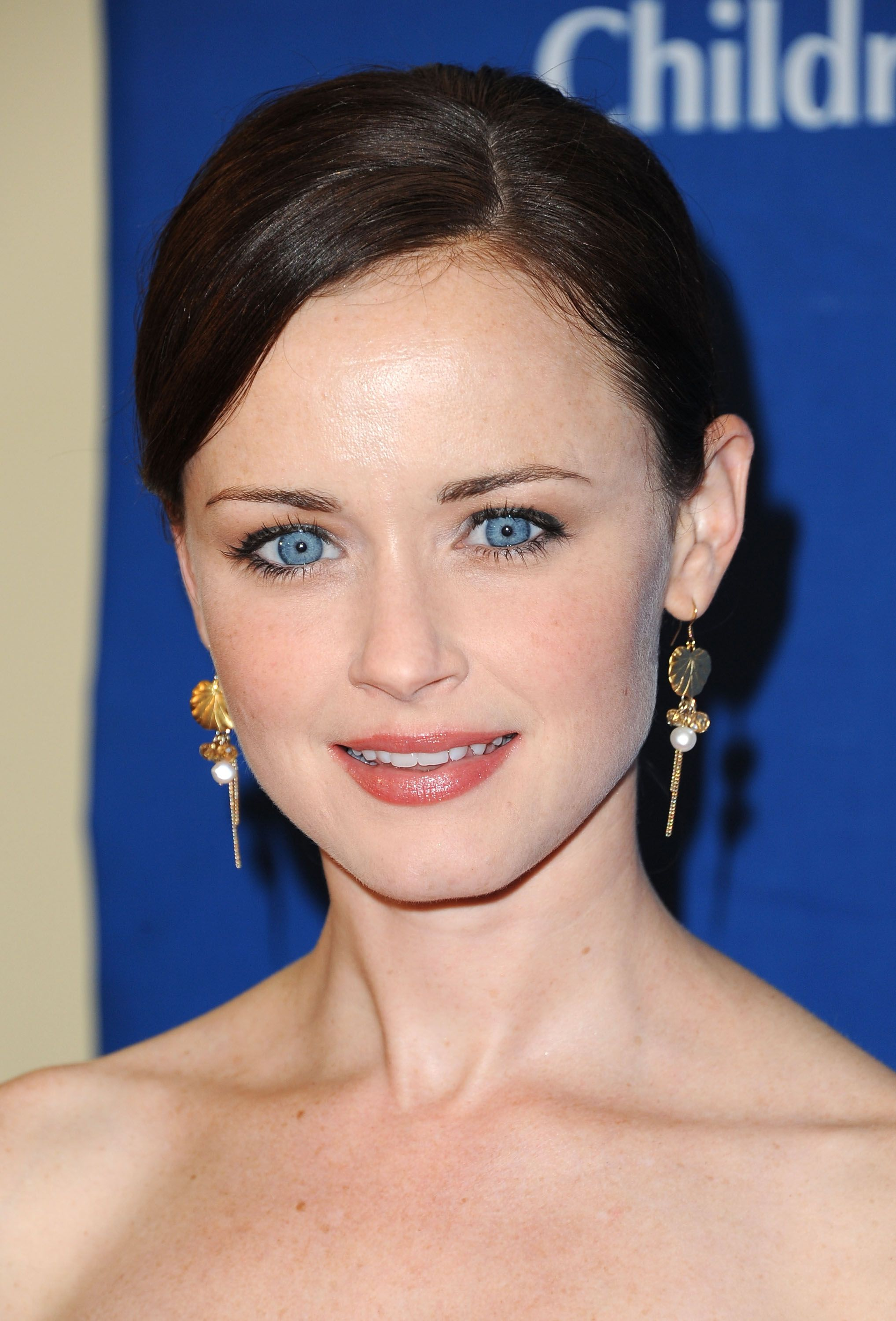 Celebrity Eye Color Blue Vs Brown Alexis Bledel Beautiful