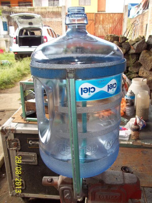 Porta garrafones met licos contenedores para el reciclado - Contenedor de agua ...