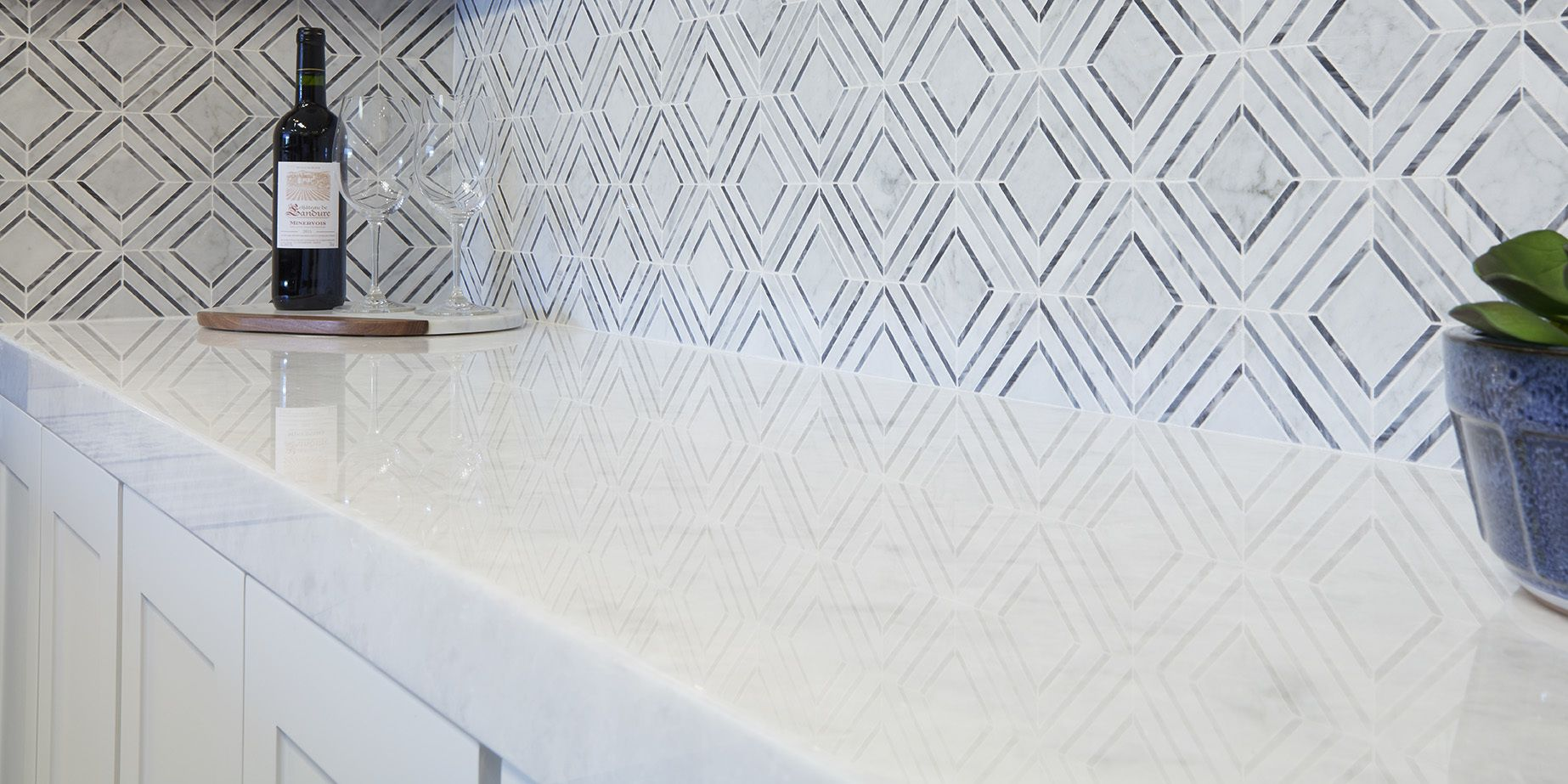 Are you loving this backsplash as much as we are our new stone mesh