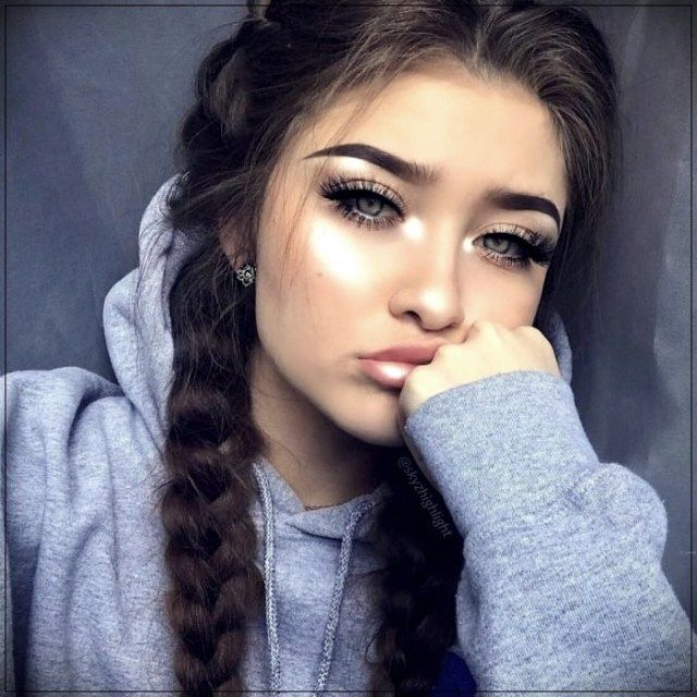 14 Simple Tricks To Show Off A Beautiful Curly Hair Girl Photography Poses Girl Photography Photography Poses When you don't have enough time, it may be easy to give up and throw your hair into. pinterest