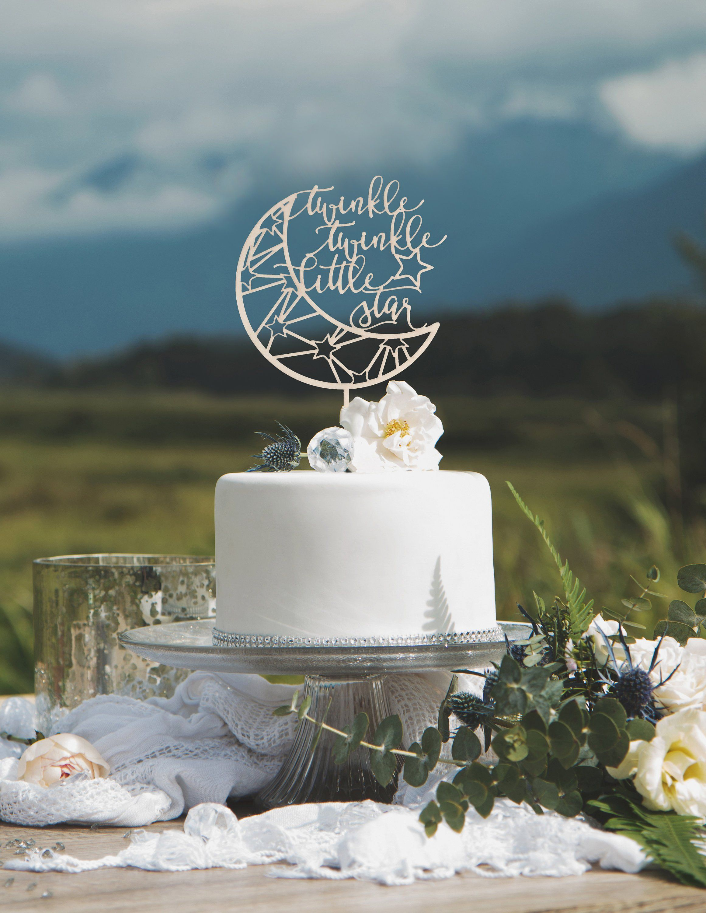 For A Celestial Themed Wedding, This Moon Cake Topper Is Just What You Need!