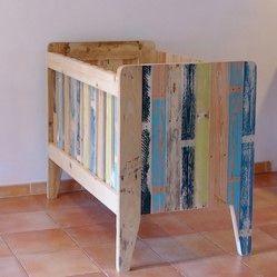 lit de b b en palette objet et meuble en palette. Black Bedroom Furniture Sets. Home Design Ideas