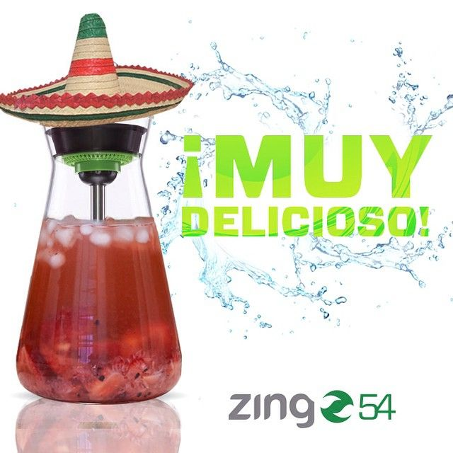 Looking for that perfect homemade margarita for your Cinco de Mayo celebration? Zing 54 will make refreshing cocktails for your guests to enjoy! ¡Bebidas sabrosas para ustedes! #cincodemayo #margarita #aguasfrescas #fruitwater #fruitpitcher #infusedwater #homemadecocktails #zingarmy #citruszinger #zing54