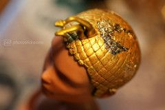 king tut / glittering details