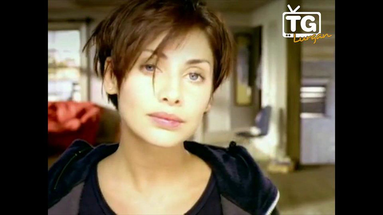 "Torn"" as Gaeilge on Vimeo (With images)  Natalie imbruglia"