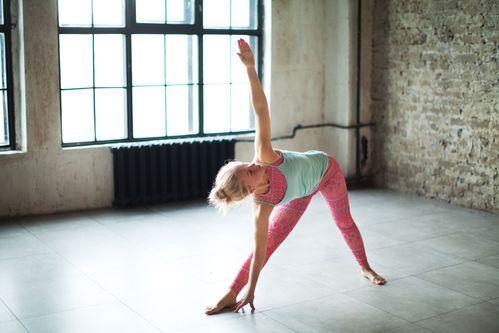 Flacher Bauch, schlanke Taille: Mit diesen 6 einfachen Übungen bringt ihr eure Problemzone in Form #balletfitness