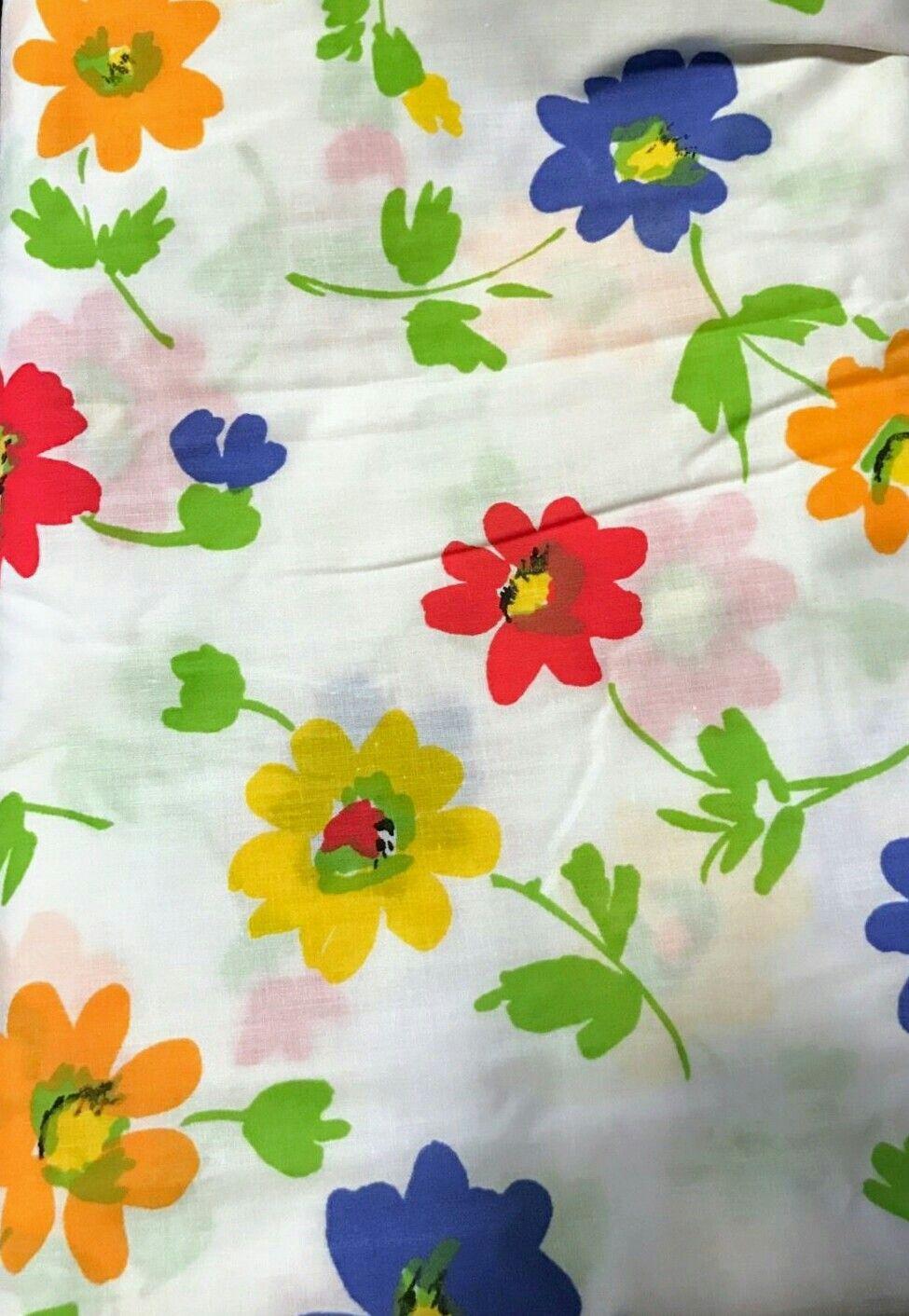 Vintage Pequot U0027Field Flowersu0027 Pattern Bed Sheets. Mod Floral Print On  White Background.