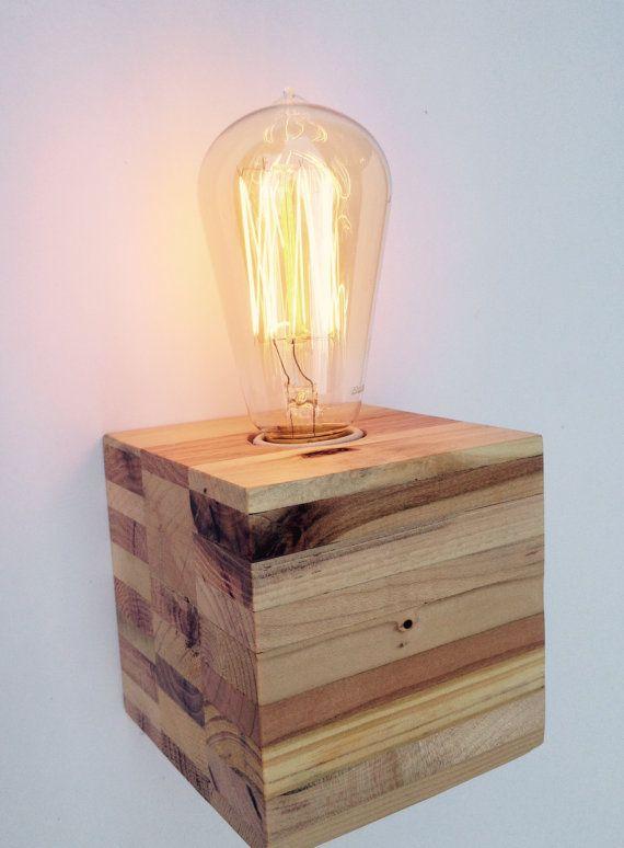 reclaimed pallet wood lamp lampe bois palette et lampes. Black Bedroom Furniture Sets. Home Design Ideas